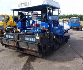 Road laying machinery to Dubai Image Express Exports